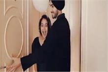 शादी के 1 महीने बाद रोहन ने दिया सिंगर नेहा को ये सरप्राइज