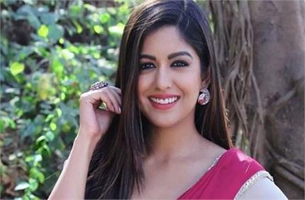 जल्द मां बनने वाली हैं इशिता दत्ता! करवाचौथ की तस्वीरों को देख फैंस...