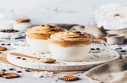 सर्दी में बनाकर पीएं Dalgon Coffee