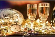 नये साल के 'Welcome' पर यूं सजाएं घर, मेहमान हो जाएंगे...