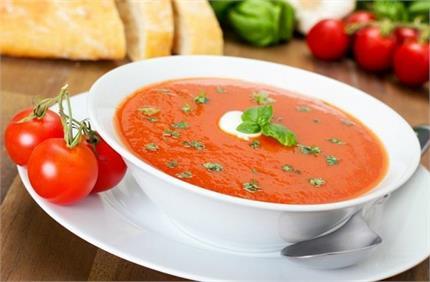 ऐसे बनाएं घर ही रेस्टोरेंट जैसा टोमैटो सूप
