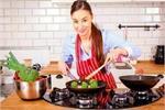 Health Update: जानें, किस बर्तन में खाना खाने से शरीर पर होगा कैसा...