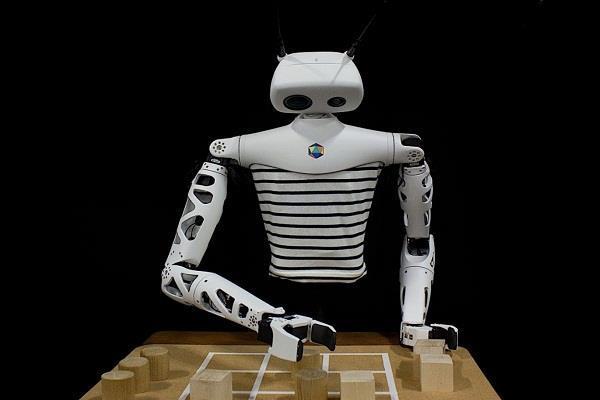 CES 2020: tic-tac-toe गेम खेलता दिखा Reachy रोबोट