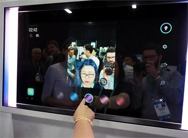 CES 2020: आप सुंदर दिख रहे हैं या नहीं बताएगा स्मार्ट मिरर