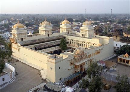 खूबसूरत मंदिरों और महलों का शहर है ओरछा