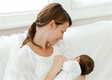 Child Care: नवजात शिशु को इन 7 बीमारियों से बचाएगा मां का दूध