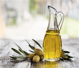 वजन घटाने से लेकर कैंसर का खतरा कम करता है Olive Oil