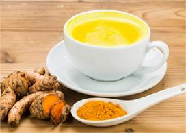 1 कप हल्दी वाले दूध के कई फायदे, कई बीमारियों का करता है...
