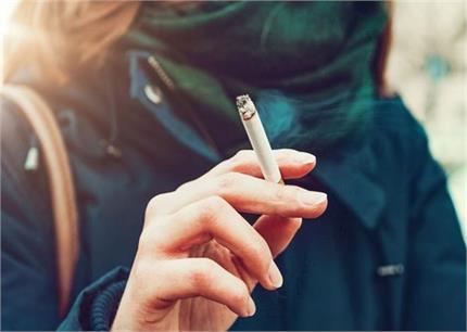 सिगरेट पीने वालों के लिए बहुत जरूरी है ये 3 आसन