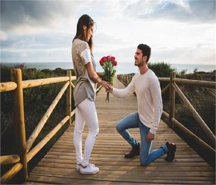 Rose Day Special: पार्टनर को दें राशि के हिसाब से फूल