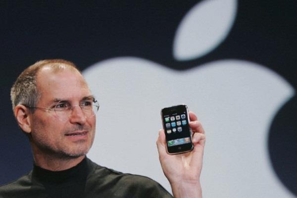 आज है एप्पल के संस्थापक स्टीव जॉब्स का जन्मदिन, जानें उनसे जुड़ी कुछ रोचक बातें