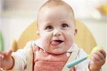 Child Care: न्यू बोर्न बेबी को शहद देना सही या गलत?