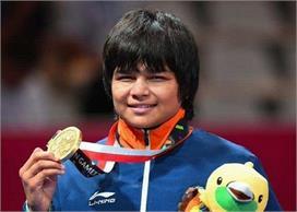 एशियन कुश्ती चैंपियनशिप: भारत की बेटियों ने मारी हैट्रिक,...