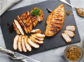 चिकन ब्रेस्ट या लेग पीस, सेहत के लिए क्या है ज्यादा हेल्दी?...