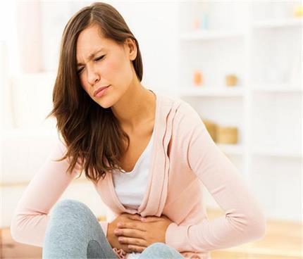 पेट फूलने की शिकायत को  न करें इग्नोर, हो सकती है गंभीर बीमारियां