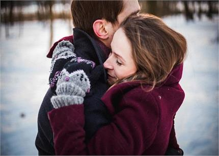 Hug Day: सिर्फ खुशी नहीं, अच्छे स्वास्थ्य के लिए भी जरूरी है 'जादू की...