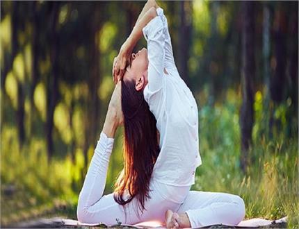 दिन के ये 3 योगासन दूर करेंगे बालों का टूटना-झड़ना