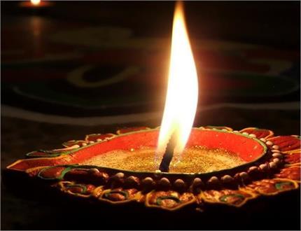 महाशिवरात्रि पर क्यों जलाया जाता है भगवान शिव के निमित्त दीपक?