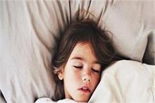 Parents Alert! पढ़ाई में Concentrate के लिए नींद है सबसे...