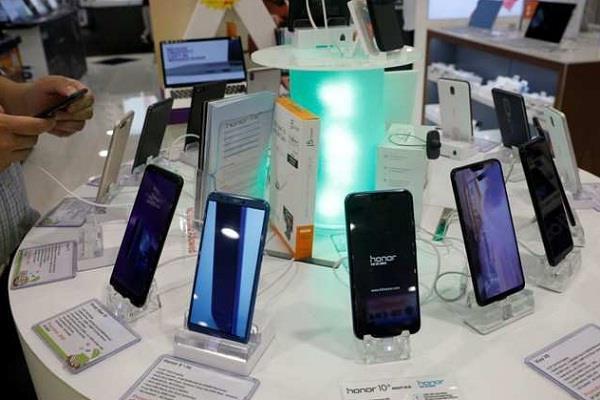 स्मार्टफोन खरीदने की सोच रहे हैं तो पहले पढ़ें ये पूरी खबर