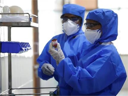 CoronaEffect : चीन में कोरोना का इलाज कर रहे 50% डॉक्टर डिप्रेशन का...