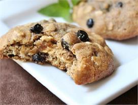 बच्चों के लिए स्पेशल बनाएं ब्लूबेरी ओटमील कुकीज