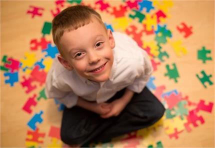 Autism Day: किन बच्चों को अधिक खतरा, यूं पहचानें लक्षण