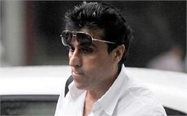 दोनों बेटियों के बाद करीम मोरानी को हुआ कोरोना, अस्पताल में...