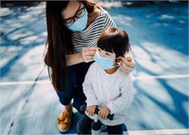 2 साल से छोटे बच्चों को न पहनाएं मास्क, जानिए क्या कहती है...