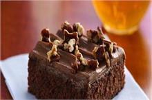 एक्टर अक्षय कुमार के बेटे ने बनाया चॉकलेट ब्राउनी केक,...