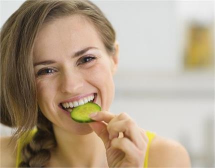 खीरा रखेगा कई बीमारियों से दूर, 10 जबरदस्त फायदे जान लें