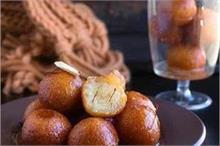 मदर्स डे स्पैशलः घर पर बनाएं ब्रेड के टेस्टी गुलाब जामुन