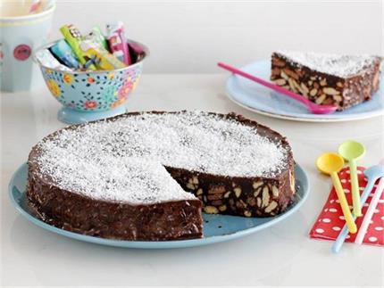 Easy Recipe: 20 मिनट में बनाएं यम्मी बिस्कुट केक