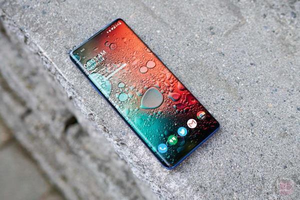 Oneplus स्मार्टफोन्स में आने वाला है वो फीचर जिसका था सबको इंतजार