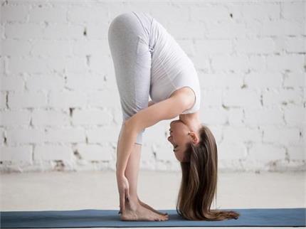 World Yoga Day: झड़ते बालों के लिए करना शुरु करें ये 7 योगासन