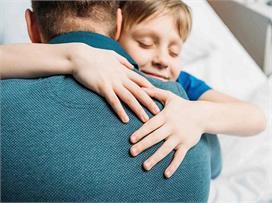 Father'day Spl: हाथ पकड़ जिसने चलना सिखाया आज उन्हें समझने...