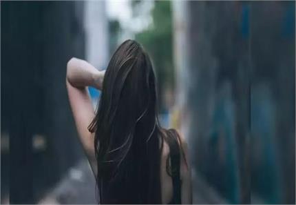 रात के समय महिलाओं को क्यों नहीं खुले छोड़ने चाहिए बाल?