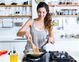 Cooking Tips: खाने को यूं बनाएं लजीज, टिप्स पढ़ें और बन...