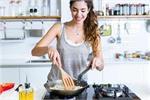 Cooking Tips: खाने को यूं बनाएं लजीज, टिप्स पढ़ें और बन जाएं किचन...