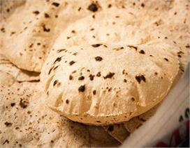 रोटी से जुड़े करें ये चमत्कारी उपाय, जीवन की हर परेशानी...