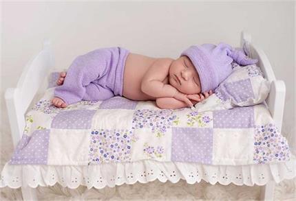 नवजात शिशु के लिए क्यों फायदेमंद है राई का तकिया?