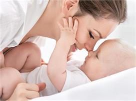 नवजात शिशु की इम्युनिटी बढ़ाने के 5 बेस्ट तरीके