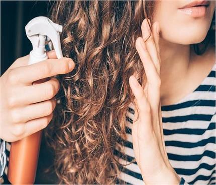 पसीने से बाल हो जाते हैं चिपचिपे तो ट्राई करें होममेड हेयर परफ्यूम
