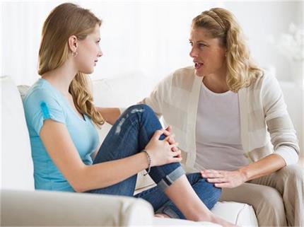 हर मां टीनएजर बेटी को जरूर सिखाएं ये बातें