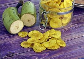 सावन स्पैशल: व्रत में बनाकर खाएं क्रंची Banana Chips
