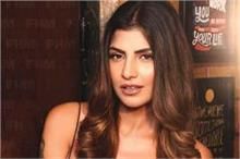 फिल्म 'ऊंगली' की एक्ट्रेस रेचल व्हाइट भी हुईं कोरोना...