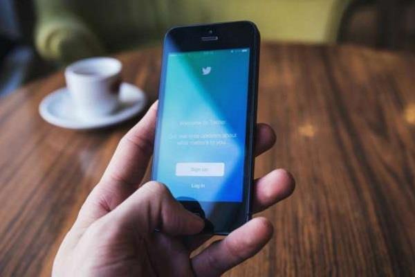 Twitter ने लॉन्च किया सर्च प्रॉम्प्ट फीचर, आपके फोन पर मिलेगी आपदा की सटीक जानकारी