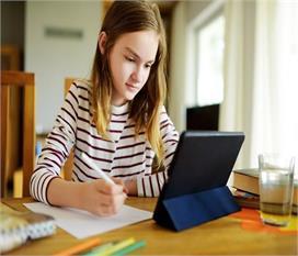 बच्चों पर पड़ रहा 'ऑनलाइन स्टडी' का बोझ, प्रेशर दे रहा...