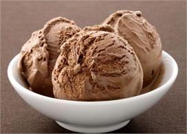 गर्मी के मौसम में घर पर आसानी से बनाएं चॉकलेट आइस्क्रीम