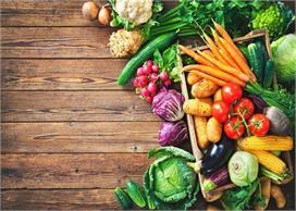 सावधान! इन सब्जियों को कच्चा खाने की गलती न करें